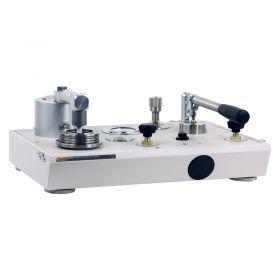 Fluke P3011-KPA Vacuum Deadweight Tester (-100 kPA) No Pump