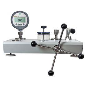 Fluke P5510/15-2700G Pressure Calibrators with Reference Pressure Gauges