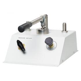 Fluke P5510-2M Pneumatic Comparison Test Pump - Angled