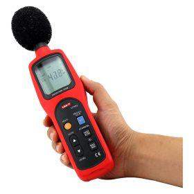 UNI T UT352 Sound Level meter in hand
